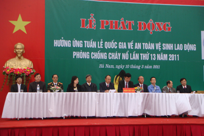 Hà Nam sôi nổi phát động thực hiện công tác đảm bảo ATVSLĐ năm 2011