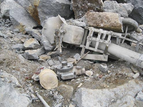 Sập mỏ đá, khoảng 30 công nhân đang bị vùi lấp
