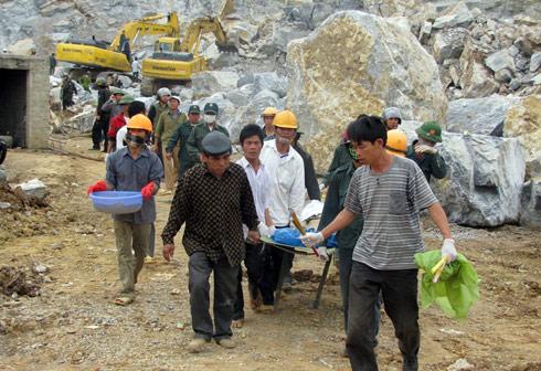 Tìm thấy nạn nhân cuối cùng vụ sập mỏ đá ở Lèn Cờ