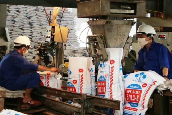 Công đoàn Công ty CP Supe Phốt phát và Hóa chất Lâm Thao: Chăm lo chu đáo đời sống người lao động