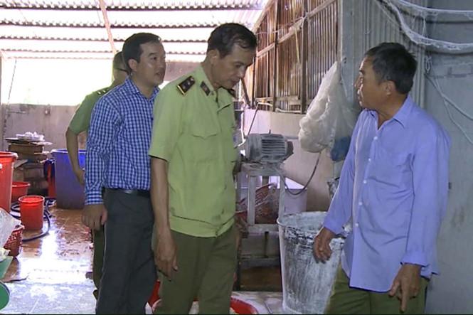 Thu giữ hóa chất, bún mốc tại cơ sở sản xuất bún