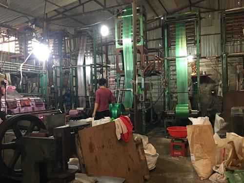 Mê Linh (Hà Nội): UBND xã Tiền Phong bất lực trước xưởng sản xuất túi nilon gây ô nhiễm môi trường?